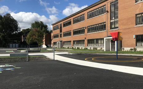 La nouvelle cour de l'école primaire Sainte-Geneviève