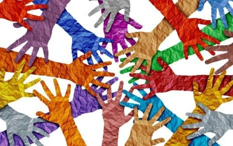 Se donner la main avec le bénévolat