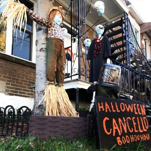 Maison du Bronx décorée pour l'Halloween