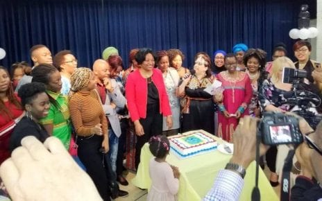 Henriette Mvondo lors d'une réception de Bienvenue à l'Immigrant - LaSalle
