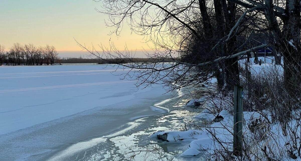 Paysage de janvier 2021 en plein dégel au parc des Rapides