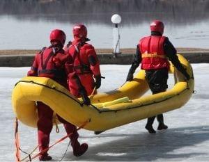 Sauvetage sur eau glacée utilisant un Fortuna