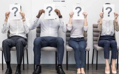 Des personnes attendant pour leur entrevue d'embauche