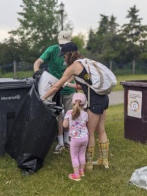 Opération de nettoyage par le GRAME au parc René-Levesque à Lachine - Crédit photo : Stéphanie Tessier
