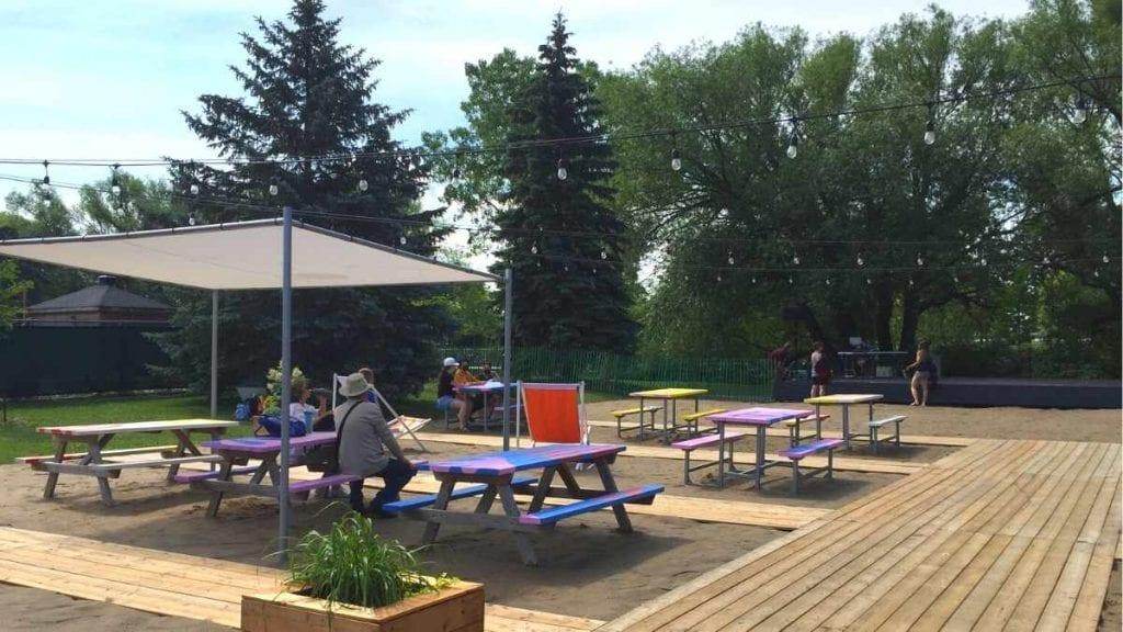 Grande scène du nouveau parc riverain de Lachine