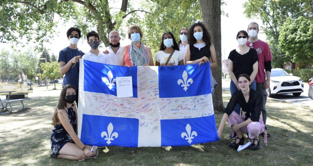 Hélène David est venue encouragée les jeunes mobilisés pour Les couleurs du changement - Crédit photo : Karine Joly
