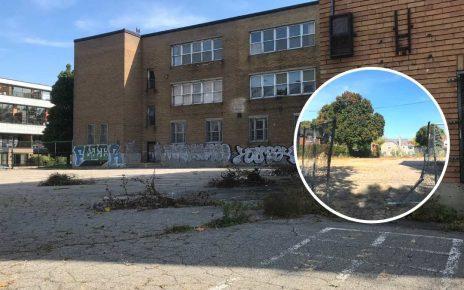La clôture endommagée de la cour de l'ex-école Allion dans le Bronx à LaSalle (9 octobre 2021)
