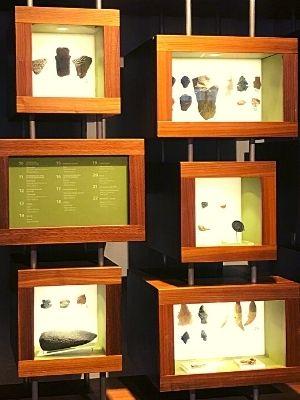 Plusieurs objets trouvés dans les fouilles archéologiques